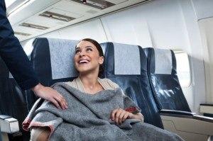 se-couvrir-en-avion-pour-ne-pas-avoir-froid